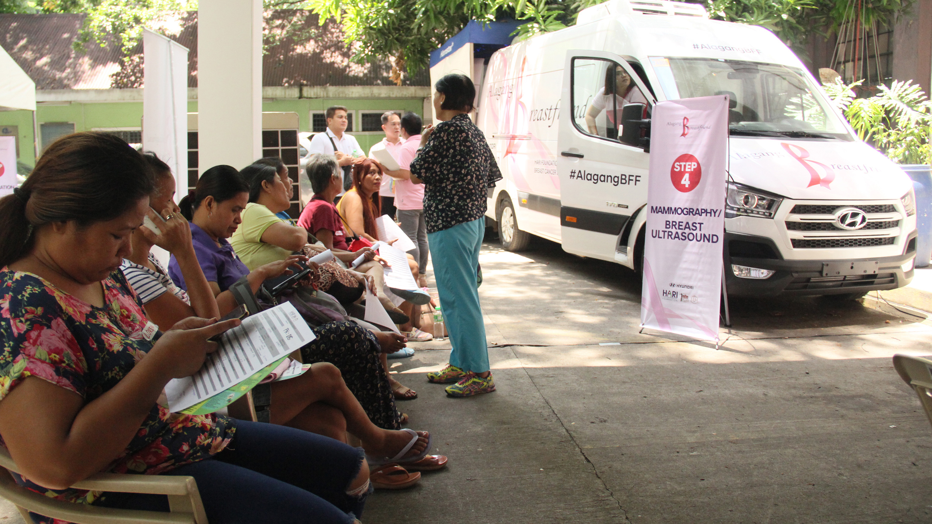 Kasama sa biyahe ng kaalaman, kalinga, at kalusugan. The Alagang Breastfriend Mobile Diagnostic Clinic, a customized Hyundai H350 luxury van, is the first of its kind in the country. Its maiden run was held at the UP-PGH grounds, offering free breast cancer screening to charity patients.